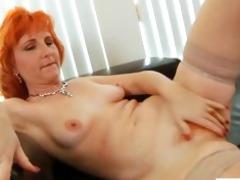 redhead d